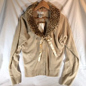 WHITE STAG Tan Cardigan/Faux Fur Animal Collar